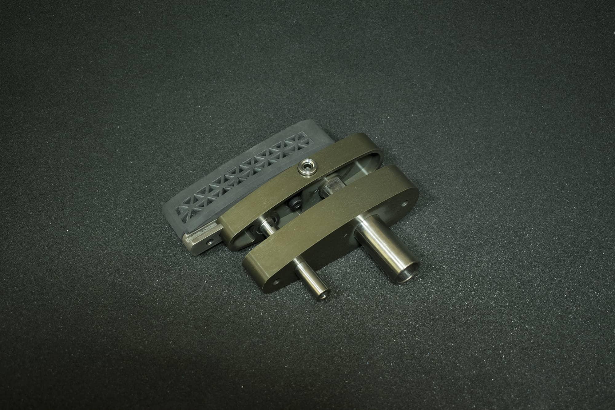 Регулируемый затыльник OV-M2R